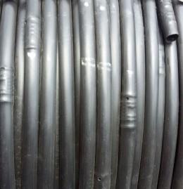 Mangueira de Irrigação Com Gotejador Cilíndrico Autocompensante 50x50cm 16mm 50m