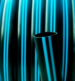 Tubo de Polietileno Virgem Faixa AZUL 16mm PN25 RL de 100mts PELBD